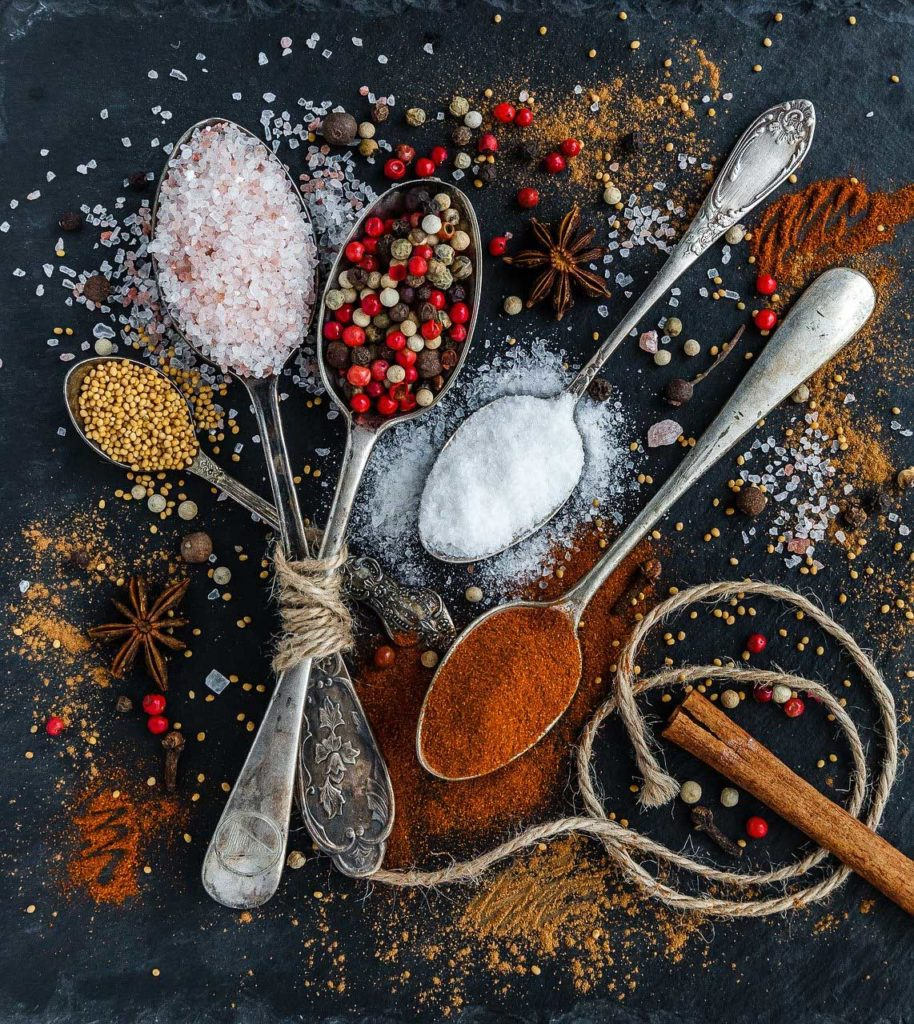 épices et condiments indispensables